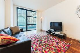 ** STUNNING, RIVER VIEW 1 BEDROOM 1 BATHROOM APARTMENT IN THE HEART OF CANARY WHARF - YC