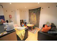 3 bedroom house in Lumley Walk, Leeds, LS4 (3 bed) (#1060446)