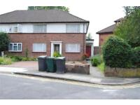 2 bedroom flat in Northway Crescent, Mill Hill, NW7