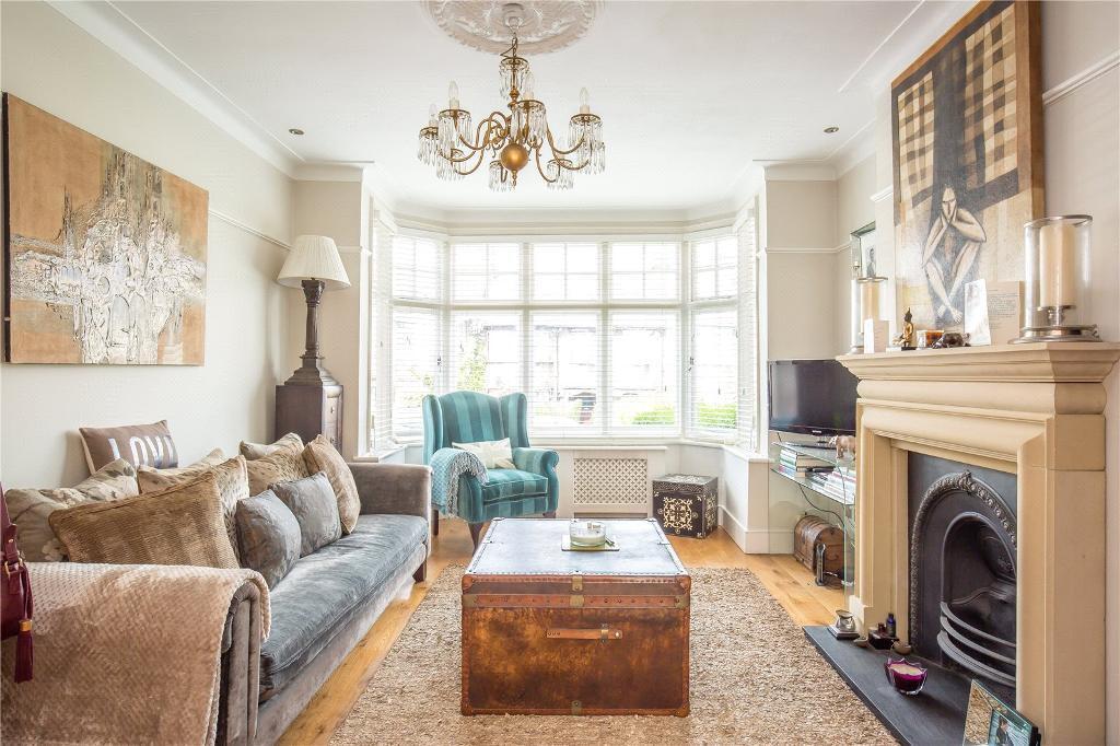 5 bedroom house in Alexandra Park Road, Alexandra Palace, London, N22