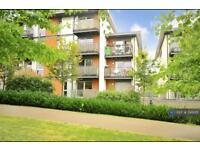 2 bedroom flat in Howlands Court, Crawley, RH10 (2 bed)