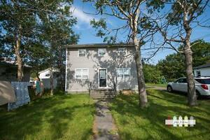 Renovated Two Bedroom Top Flat - Bay Roberts