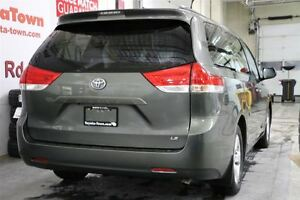 2013 Toyota Sienna LE 8 PASSENGER DUAL POWER SLIDING DOORS London Ontario image 3