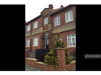 3 bedroom flat in Fretson Road South, Sheffield, S2 (3 bed)