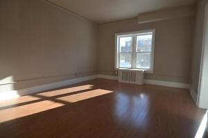 Renovated Bachelor Unit In Downtown Moose Jaw