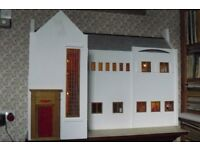 Lovely 1/12th scale CR Mackintosh dolls house with lighting and several items of furniture £400 ovno