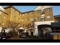2 bedroom flat in Milton Court, London, SW18 (2 bed)