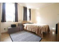 Like Space and want to be close a station. Big ROOM to let 2 mins to Penge East station