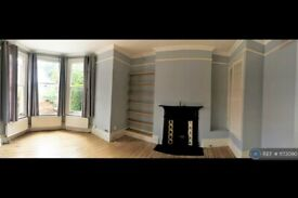 1 bedroom flat in Coniston Road, London, N10 (1 bed) (#1173090)