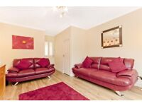3 seater and 2 seater leather sofa's in good condition