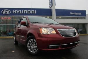 2015 Chrysler Town & Country Touring-L/ Stow-n-Go/ Heated Seats/