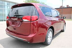 2017 Chrysler Pacifica Touring-L *LOW KMS* London Ontario image 7