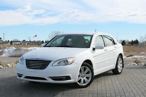 2014 Chrysler 200 TOURING* 3.6L V6* AUTO* POWER SEATS*