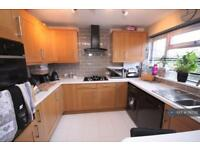 3 bedroom house in Villette Close, Christchurch, BH23 (3 bed)