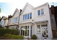 5 bedroom house in Fortis Green Avenue, East Finchley, N2
