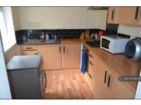 1 bedroom in Yews Mount, Huddersfield, HD1