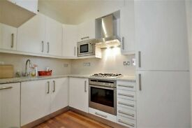 1 bedroom flat in Sunny Gardens Road, Hendon, NW4