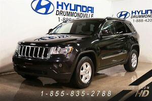 2011 Jeep Grand Cherokee LAREDO + MAGS + HITCH + 4X4 + WOW!!