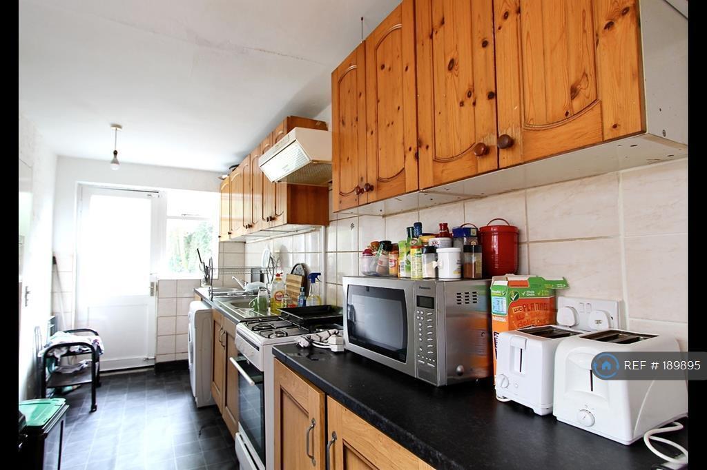 1 bedroom in Wightman Road, London, N8