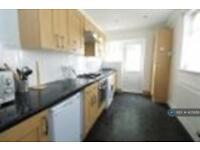 2 bedroom house in Fawcett Road, Southsea, PO4 (2 bed)