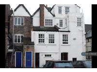 2 bedroom flat in High Street, Hemelhampsted, HP1 (2 bed)