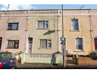 3 bedroom mid-terraced house Milsom Street, Bristol £245,000