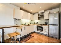 Stylish One Bedroom Apartment Situated In The Isle Of Dogs LT REF 4478571