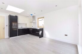 MODERN new 1 bed apartment 7th floor! Call NOW close to station UNFURNISHED