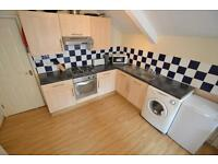3 bedroom flat in Gordon Road, Roath, Cardiff