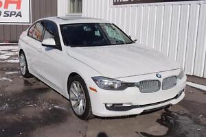 2013 BMW 320i xDrive AWD! CLEAN CARPROOF!!