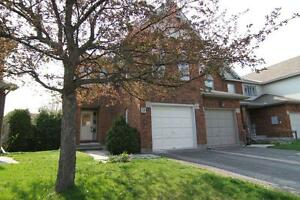 Beautiful 3 bedroom end unit townhouse - Kanata - $1595