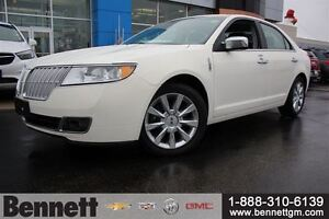 2012 Lincoln MKZ V6 AWD with NAv, Sunroof, Heated + Cooled seats