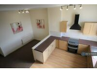 2 bedroom flat in Whalley Road, Clayton Le Moors, Accrington, BB5 (2 bed) (#1131570)