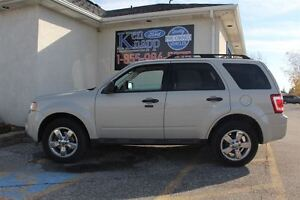 2009 Ford Escape XLT Automatic 3.0L Windsor Region Ontario image 2