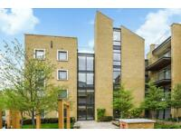 2 bedroom flat in Nurburg House, Frazer Nash Close, TW7