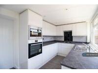 3 bedroom house in Woodrush Way, Romford, RM6 (3 bed) (#1147335)