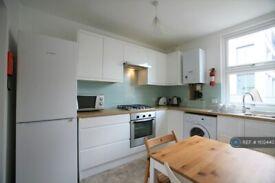 4 bedroom flat in Camden, London, NW1 (4 bed) (#1102440)