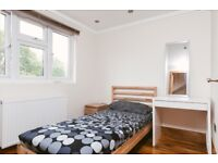 single *modern room* in BETHNAL GREEN* CLOSE TO PARK* STATION* STUDENT PERFECT*ZONE2*
