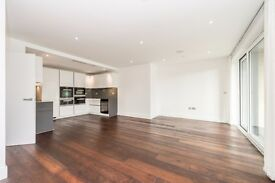 A Stylish Ninth and Tenth, Three Bedroom, Two Bathroom Apartment in SW6