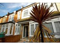 3 bedroom house in Chesterford Road, London, E12 (3 bed)
