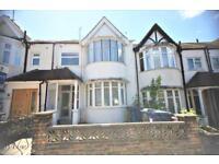 1 bedroom flat in Elmscroft Crescent, Golders Green NW11