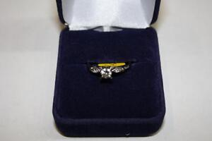 Bague en or sertie Diamants marquise (A023073)