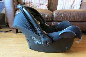 Maxi Cosi CabroFix Baby Car Seat (Group 0+)
