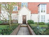 1 bedroom flat in Cottage Close, London, HA2 (1 bed)