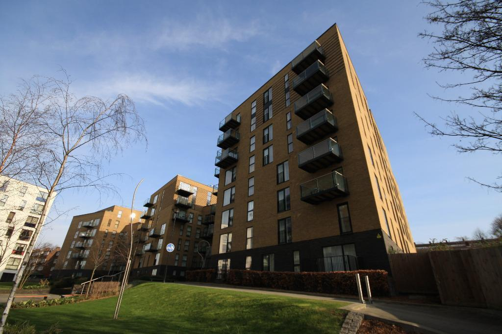 RM are Offering a stunning 2 bed 1st floor apartment situated within the new Silvermill Development