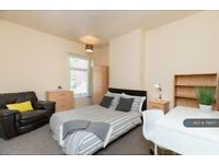 3 bedroom house in Whitefriars Street, Coventry, CV1 (3 bed) (#799717)