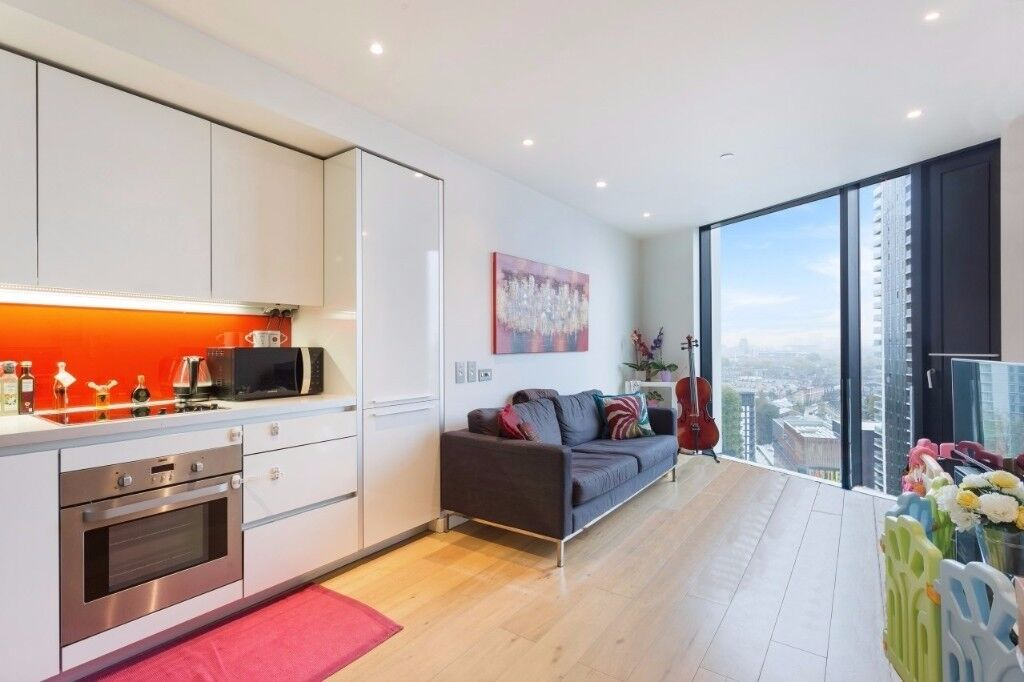14th FLOOR STUNNING TWO DOUBLE BEDROOM APARTMENT - LONDON SKY LINE VIEWS - 24HR CONCIERGE ONLY £540!