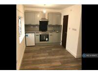 Studio flat in Mitchell Road, London, N13 (#1169171)