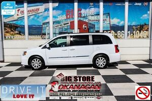 2016 Chrysler Town & Country Touring, 7 Pass! LOADED!!!
