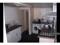 5 bedroom house in Crawley Road, Luton, LU1 (5 bed)